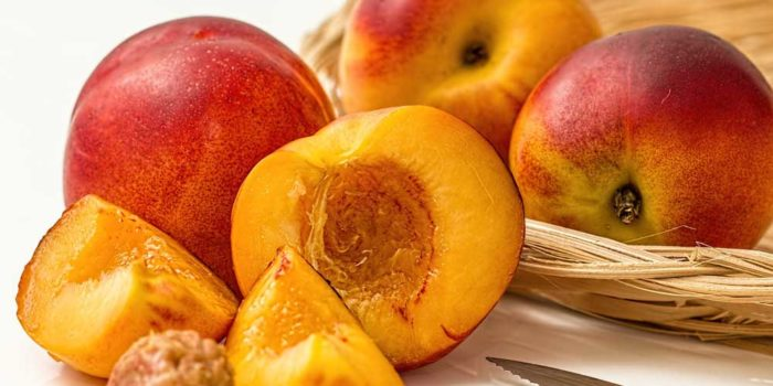 Radio Nibbles: Nectarines – The Overlooked Stone Fruit